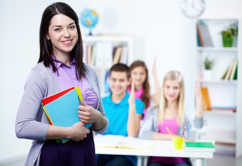 Чи вважаються вільні від педагогічних годин дні робочими