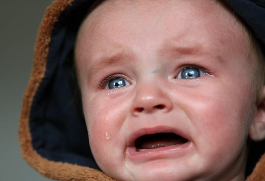 У Запоріжжі вихователька знущалася з малюка: момент попав на відео