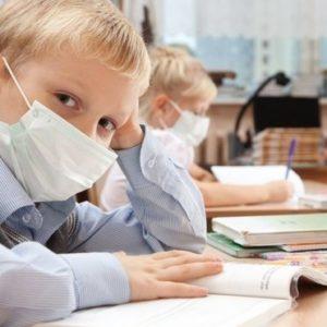 Заборона відвідувати школу учням без щеплень не порушує право на освіту, – Денісова