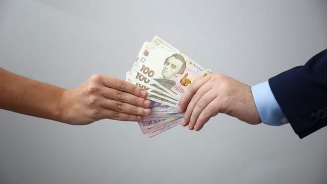 Хабарі за дипломи та дисертації: в Україні створили платформу про корупцію в освіті