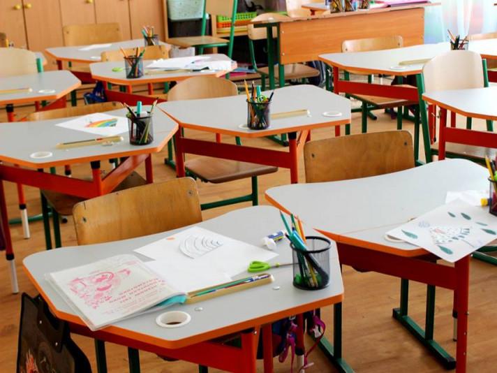 Вдарився об парту: у Тернополі школяр потрапив до лікарні із травмою голови