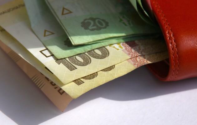 Мінекономіки: зарплата освітян за рік зросла на 28,8%