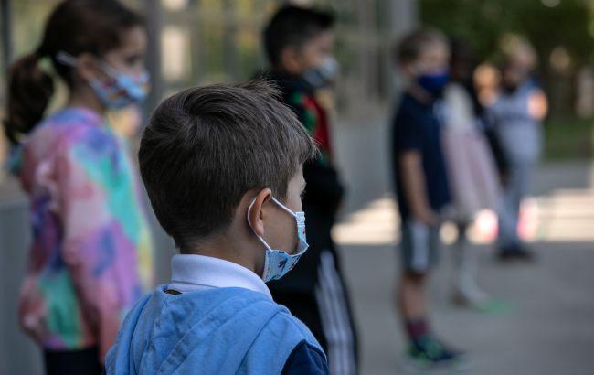 Не всі українські школярі підуть на канікули: кому навчання продовжили