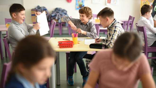 Чому дітям не варто гнатися за високими оцінками та як батькам реагувати на низькі бали