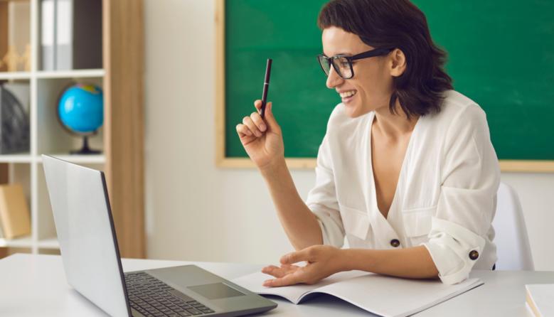 МОН та Мінцифри роз'яснили, як школам використовувати субвенцію на придбання ноутбуків