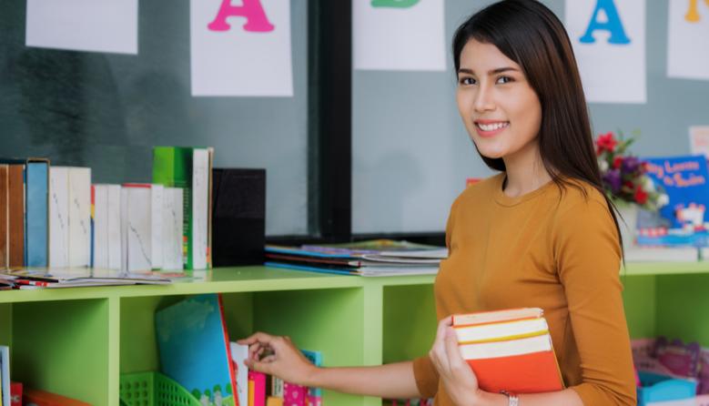 Робота вчителя під час канікул: яка тривалість робочого дня та оплата праці