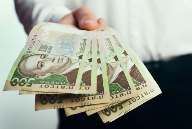 Хто отримає президентські чотири тисячі доларів – повідомили у МОН
