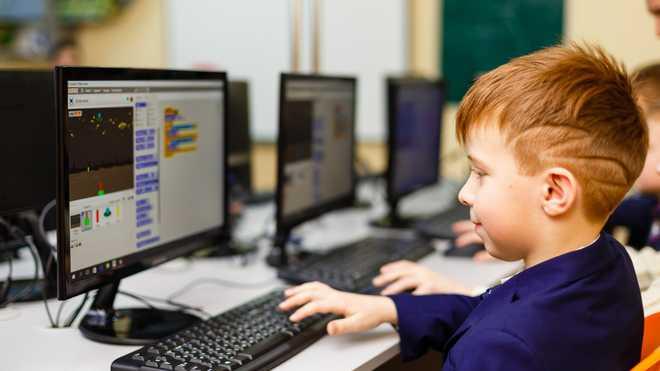 Сільські школи та бібліотеки отримають швидкісний інтернет: уряд виділив майже пів мільярда