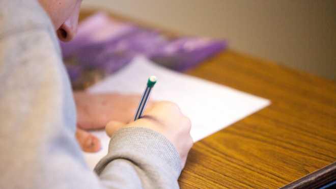 Примусова русифікація в Криму: менше ніж 1% школярів вивчає українську мову