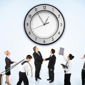 Учитель працює під час канікул: тривалість робочого дня та оплата праці