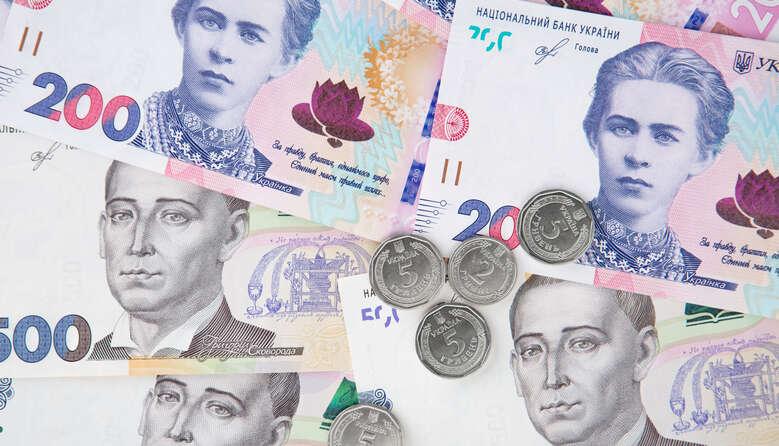 Освітяни отримають заробітні плати та відпускні вчасно: бюджетний комітет переніс графік виплат