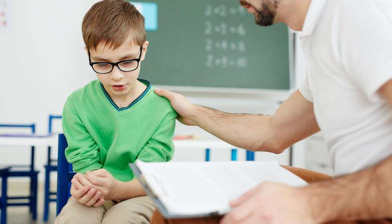 Залишити школяра на другий рік – це «клеймо на лобі» чи можливість підтягнути знання? Коментар УЦОЯО