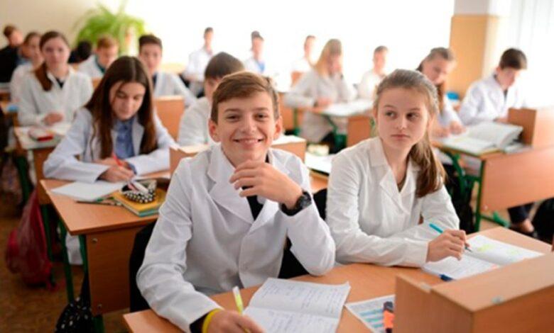 Рівень освіти коливається між середньою та низькою якістю, – опитування