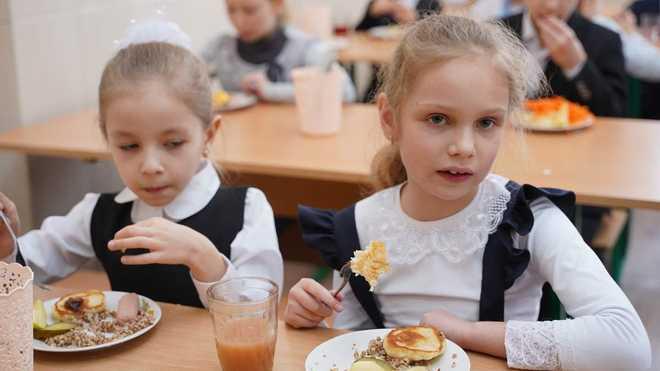 Нове шкільне меню з 1 вересня не для всіх: МОН встановлює перехідний період