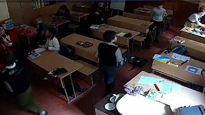 Асистентка вчителя погрожувала відрізати геніталії учню з інвалідністю: відео та деталі скандалу