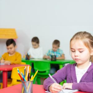 Як оцінювати учнів молодших класів відповідно до нових методичних рекомендацій: роз'яснення експертів