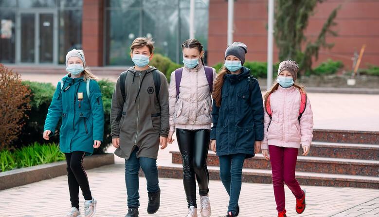 У ВООЗ закликали не закривати школи під час пандемії
