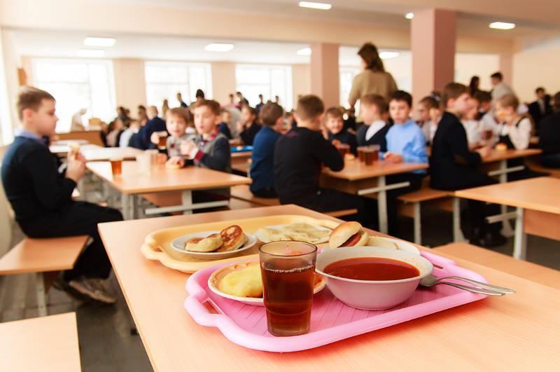 На Прикарпатті учні 3-4 класів залишаться без безплатного харчування – у бюджеті бракує коштів