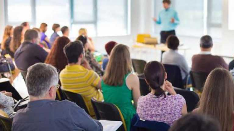 Як вчителю провести перші батьківські збори: ефективні поради