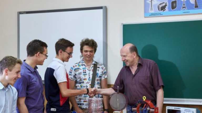 Учитель фізики з Харкова став героєм України: що про нього відомо