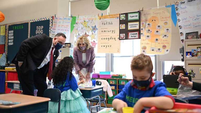 У США невакцинований вчитель спричинив спалах коронавірусу у школі