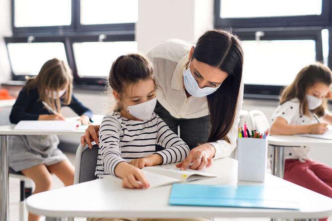 Батьки мають право вимагати, щоб вчитель був вакцинований, – інфекціоністка