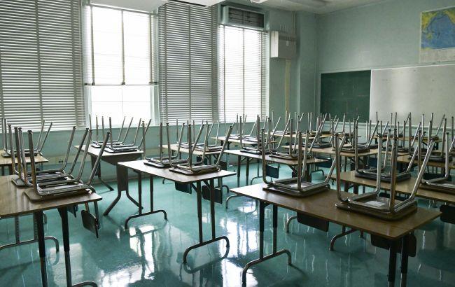 """Стало відомо, коли школи перейдуть на """"дистанційку"""": три сценарії від МОЗ"""