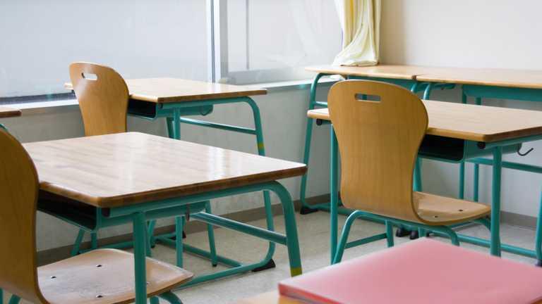Чи закриються школи і садочки у жовтій зоні через невакцинованих вчителів