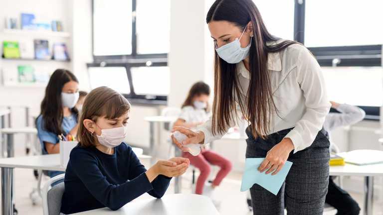Як МОЗ визначатиме відсоток вакцинації вчителів у школі: пояснення Кузіна