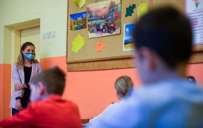 Дитину вигнали з уроку: чи має вчитель на це право і що робити батькам