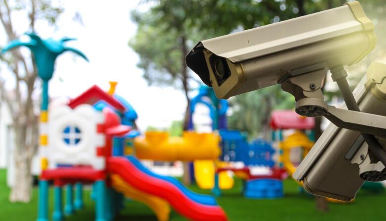 Петиція щодо обладнання всіх дитсадочків системами відеоспостереження набрала необхідну кількість голосів: президент розгляне звернення