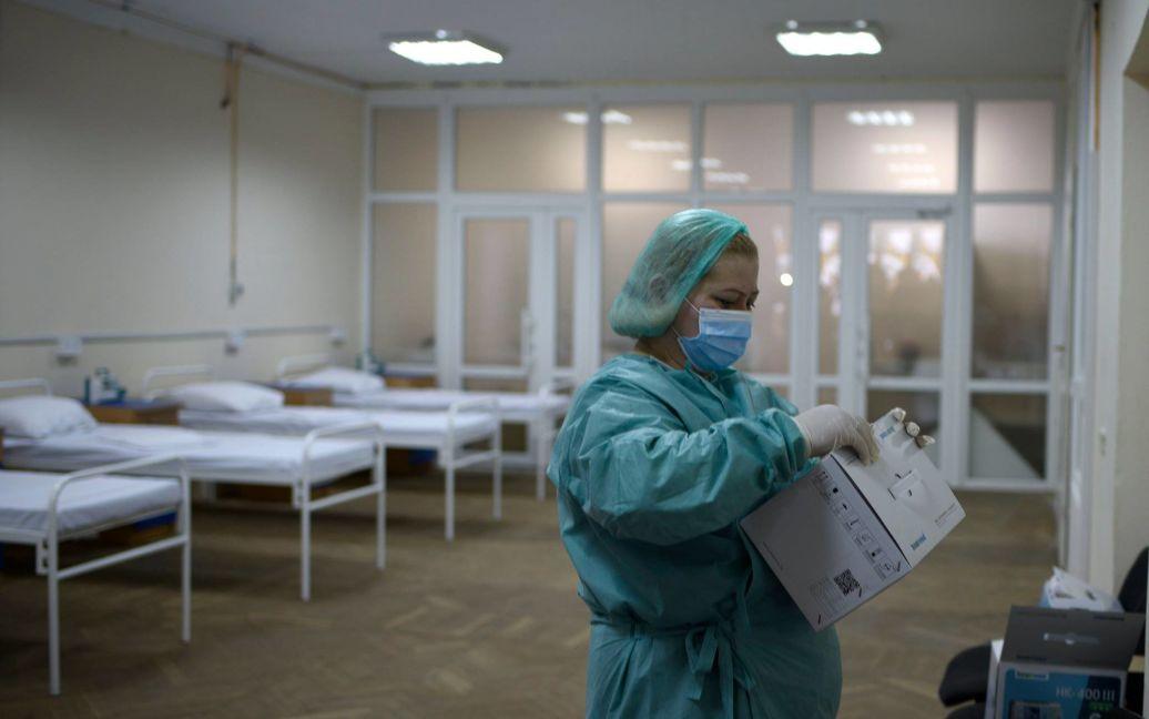 Школярі йдуть на довгі канікули: у Львові посилили карантин та ввели обмеження для невакцинованих