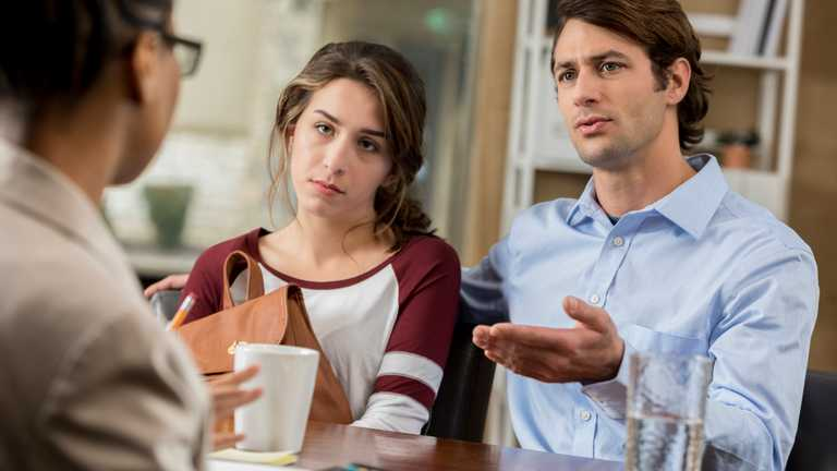 Як вчителю реагувати на зауваження батьків: практичні поради