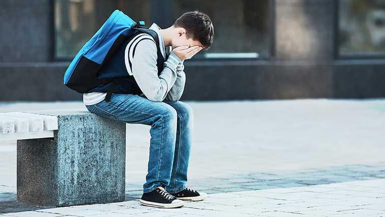 Вдарив так, що той не міг дихати: на Херсонщині судитимуть учня, який побив старшокласника